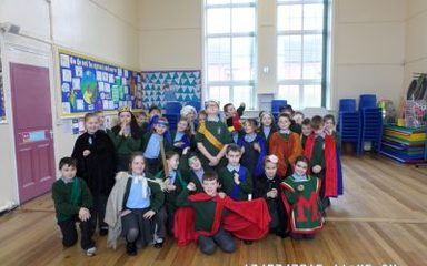 Y4 Spend a day with Shakespeare.