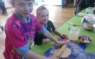 Y4 take over the kitchen!